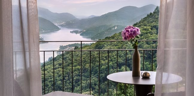 kurhaus_cademario_balcony_view_low